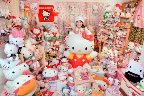 asako-kanda-hello-kitty-fans-japan