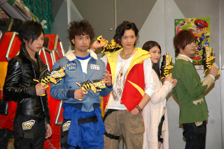 kyoryuger press conference 01