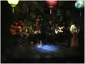 Aozora Live Acoustic Perform. Foto By: isal