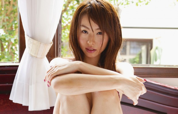 Megumi-Ohori-Pregnant-With-First-Child-620x400