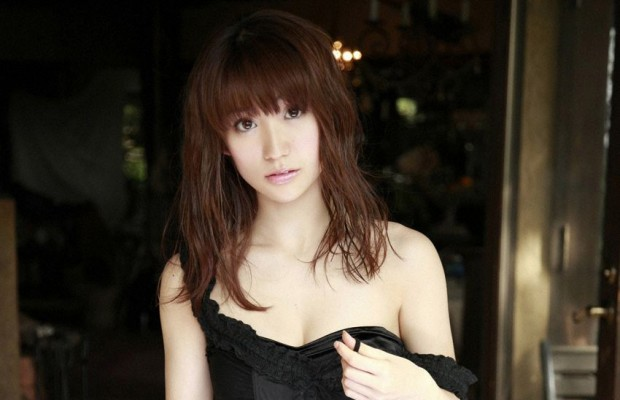 Yuko-Oshima-to-Depart-Group-in-March-620x400