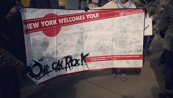 05 ONE OK ROCK banner from fans in New York!  cr purinchun