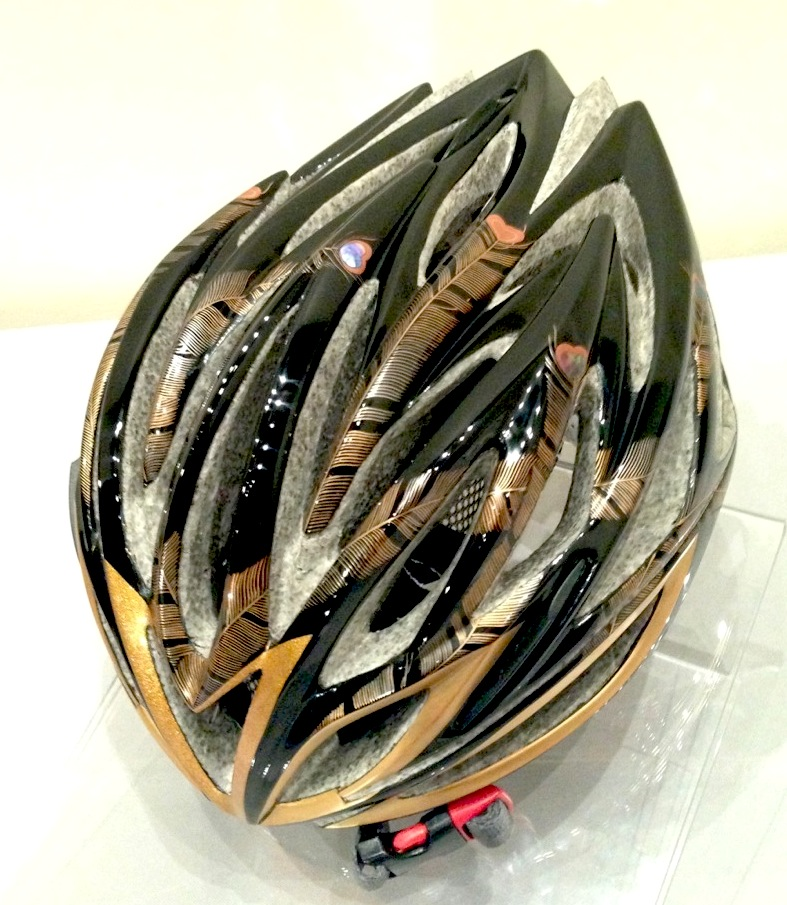 05 Urushi-Riding-helmet