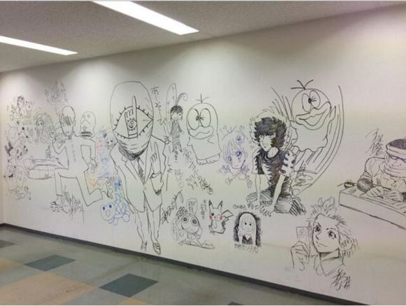 manga-graffiti-at-soon-to-be-demolished-shogakukan-building-in-japan10