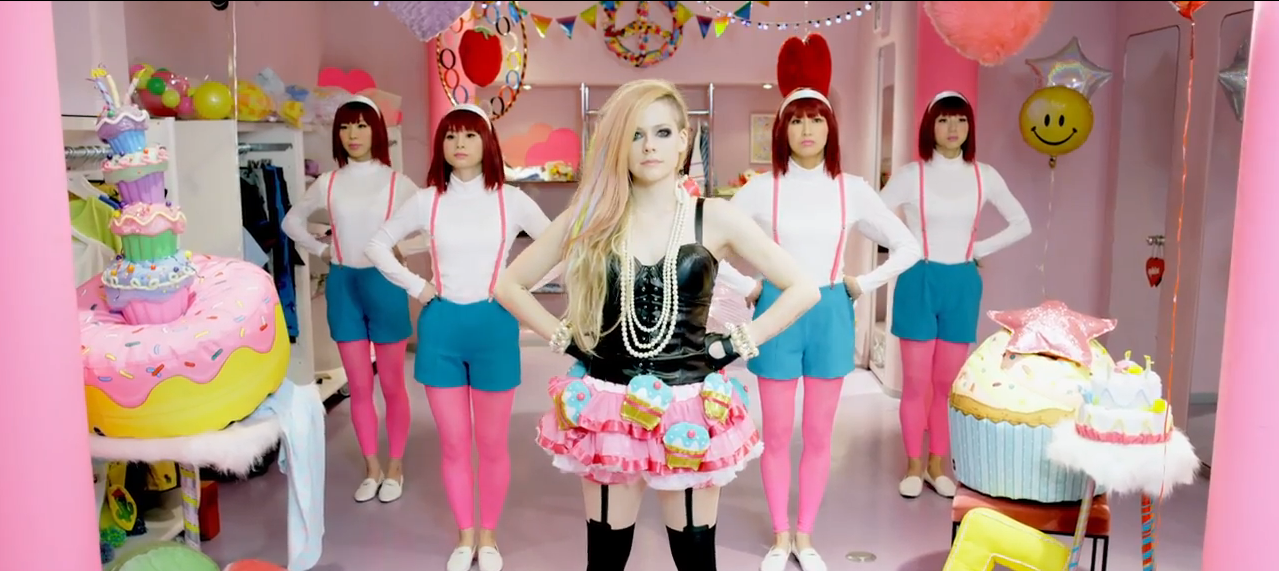 avril-lavigne-hello-kitty-video-japan-hot-girls