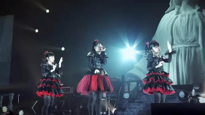 today-babymetal-140418-01_e289411a83670d56cfec38d3693cfa80.nbcnews-ux-720-400