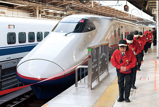 bullet-train-cleaners21