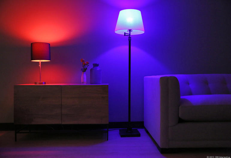 philips-hue-led-wireless-lighting-02