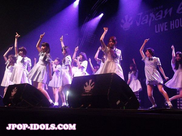 nogizaka46-live-japan-expo-3