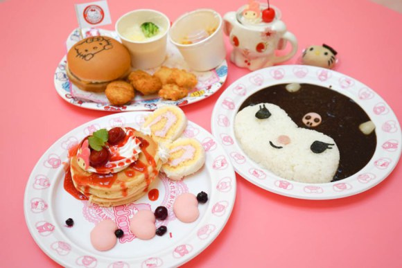hello kitty food court (1)