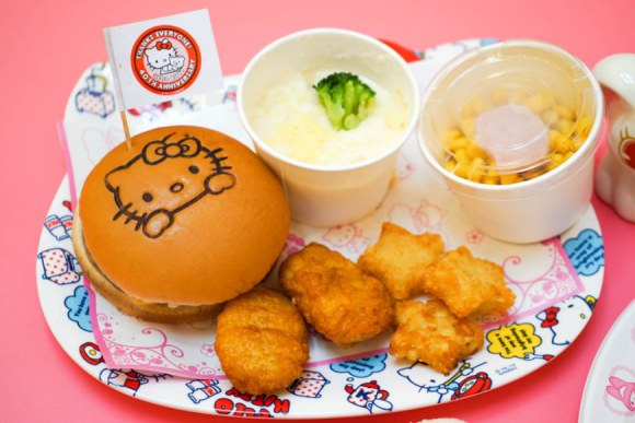 hello kitty food court (4)