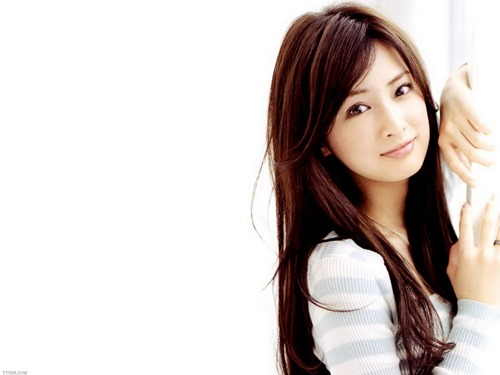 Japanese-woman-clickonTrends