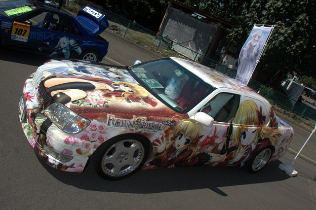 itasha cosplay driving school (6)
