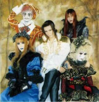 Golden Bomber tampil ala band visual kei tahun 90-an di acara khusus Music Station Halloween (3)