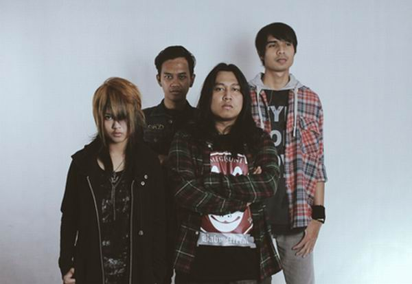 "[LOCAL BAND] EVATRA 1st Single ""DISTRESS"" (1)"