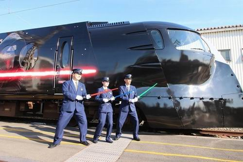 The Force is strong with this one Kereta Star Wars kini telah hadir di Jepang (4)