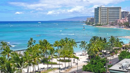 honolulu-hawaii-beach-tourist-resort
