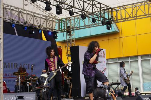 ENNICHISAI MIRACLE – The Power of Love Semarakkan Kawasan Blok M, Jakarta (1)
