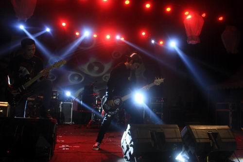 Tour Album Perdana Alison Rock, Revelation (16)