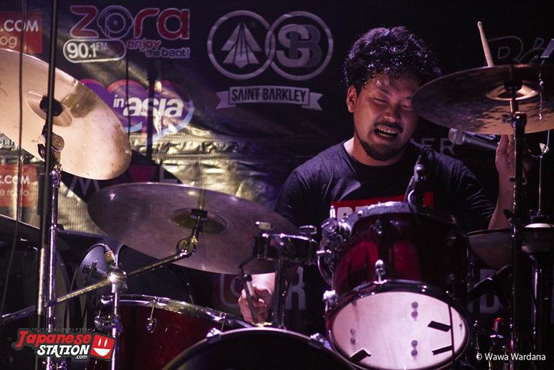non-stop-moshing-four-get-me-a-nots-sukses-hentak-bandung-16