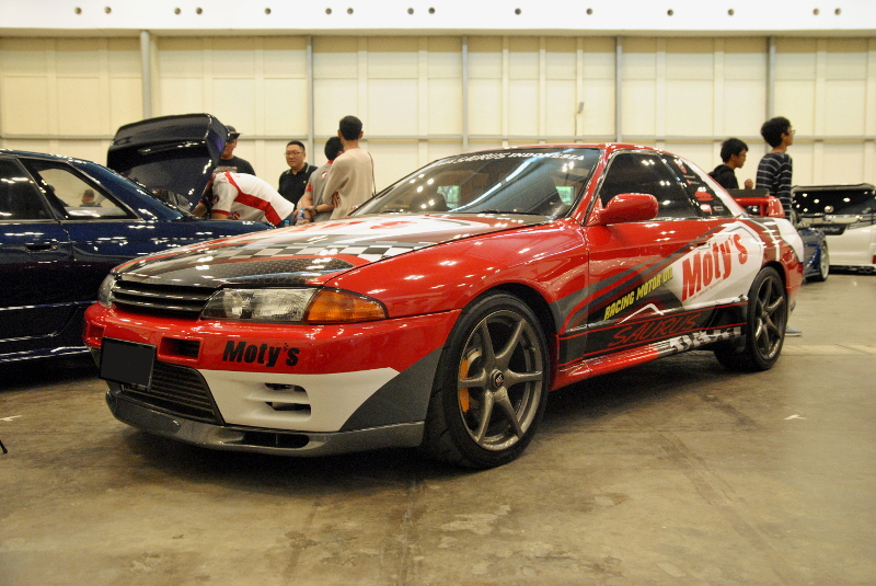 the_elite_showcase_nissan_skyline_gtr_r32_saurus_japanese_station-1.jpg