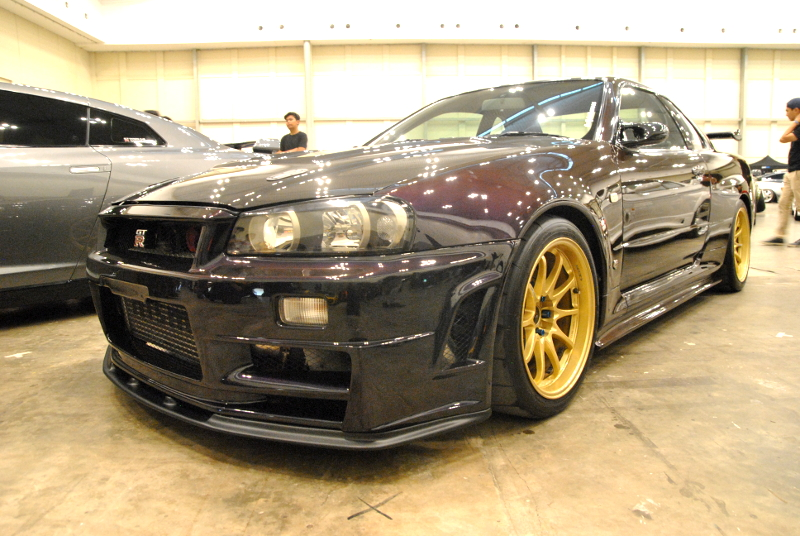 the_elite_showcase_nissan_skyline_gtr_r34_saurus_japanese_station.jpg