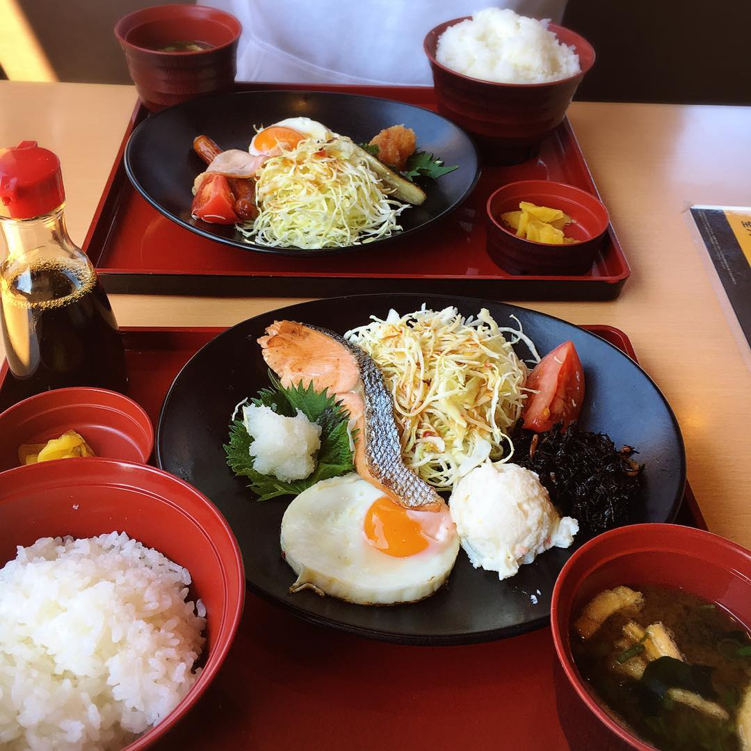 Morning Egg Plate dan Japanese Meal Plate di Joyfull