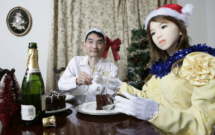 Inventor Le Trung Celebrates Christmas With His Fembot Aiko