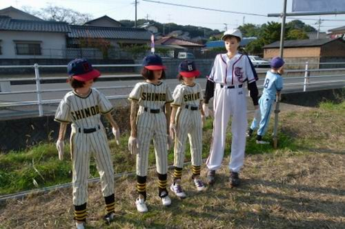 softball scarecrowsjapan (1)