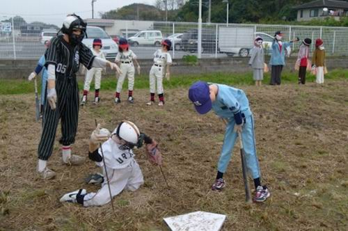 softball scarecrowsjapan (3)